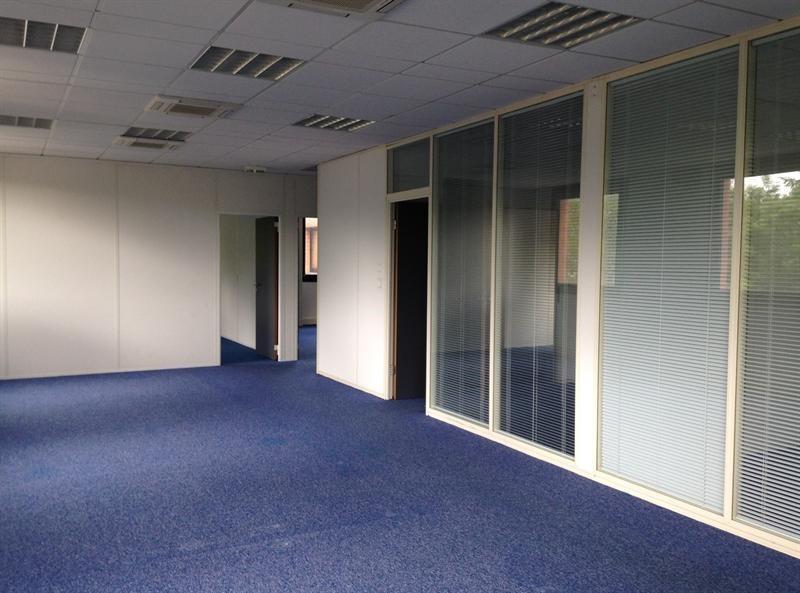 location bureau montigny le bretonneux yvelines 78 220 m r f rence n mont34. Black Bedroom Furniture Sets. Home Design Ideas