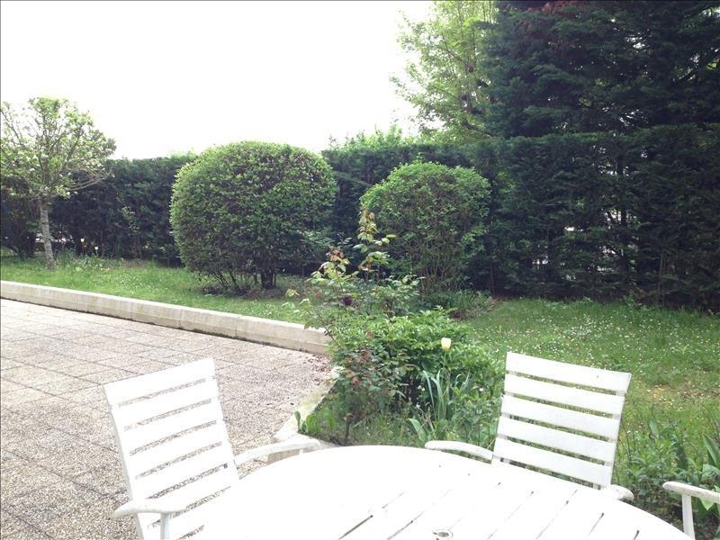 Deluxe sale apartment Saint-cloud 1050000€ - Picture 2