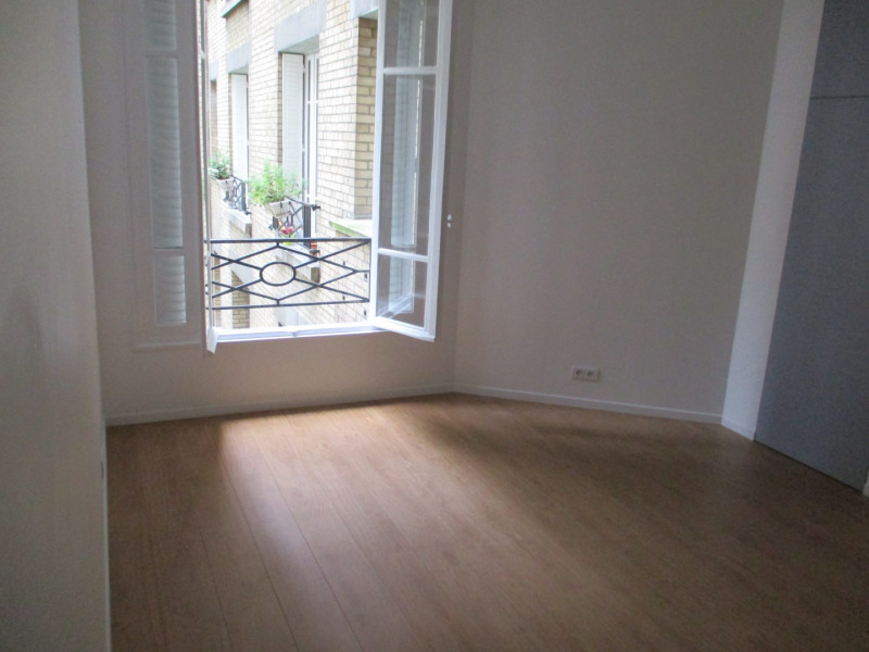 Sale apartment Paris 17ème 312 000€ - Picture 2