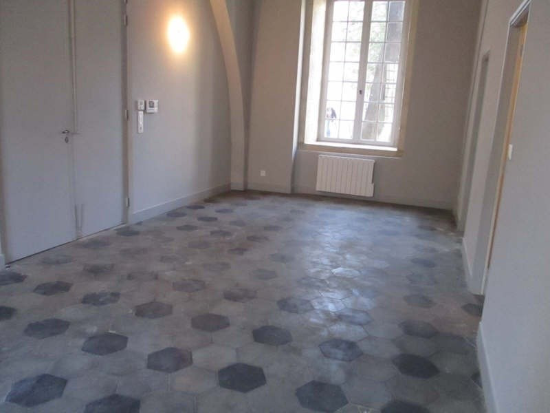 Location appartement Nimes 966€ CC - Photo 3