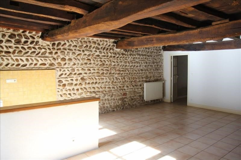 Rental apartment Assieu 950€ CC - Picture 1