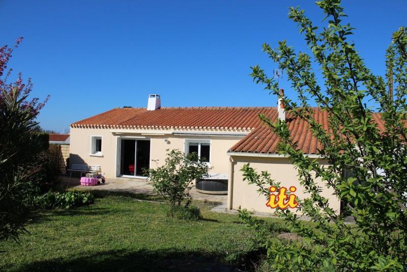Sale house / villa Vaire 239300€ - Picture 1