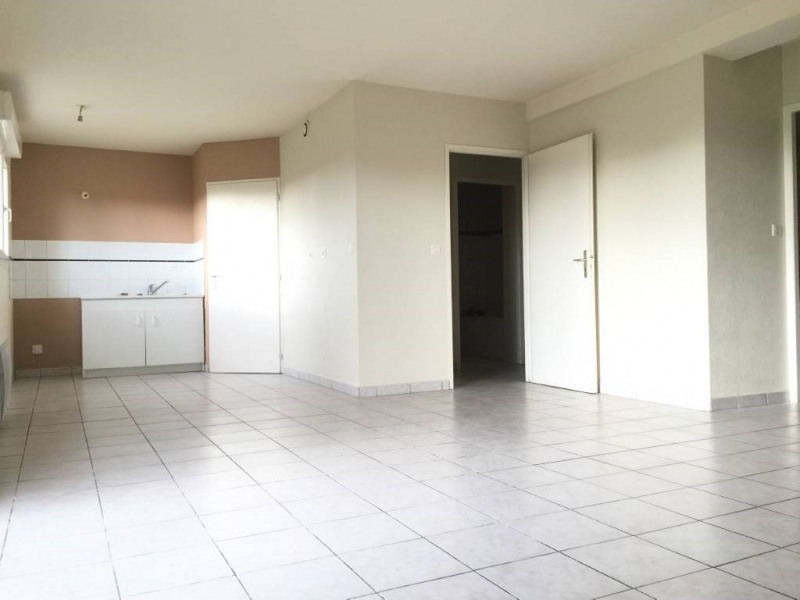 Rental apartment Saint-andre-de-cubzac 594€ CC - Picture 3