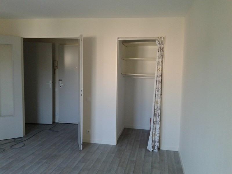 Rental apartment Saint genis laval 438€ CC - Picture 2