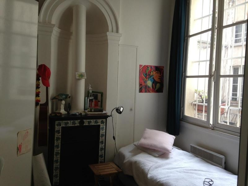 Location appartement Paris 4ème 1 400€cc - Photo 2