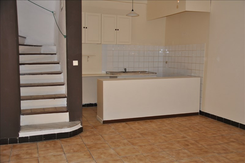 Location appartement Pourrieres 630€ CC - Photo 1