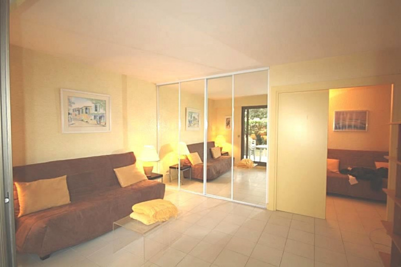 Vacation rental apartment Cap d'antibes 650€ - Picture 2