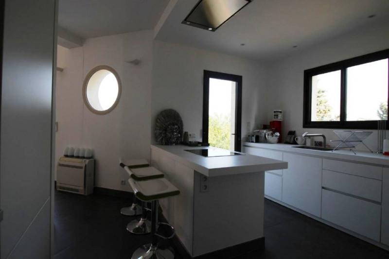 Deluxe sale house / villa Pujaut 936000€ - Picture 4