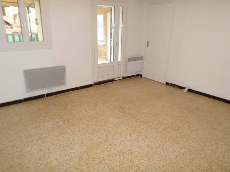Rental house / villa Salon de provence 840€ CC - Picture 2