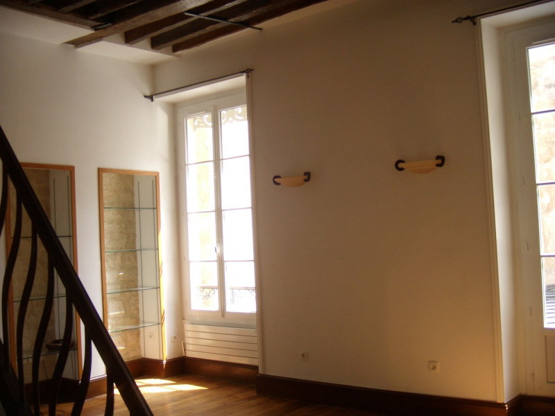 Rental apartment Paris 6ème 1550€ CC - Picture 2