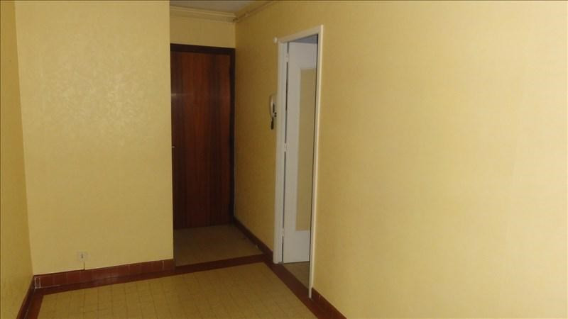 Location appartement Le coteau 615€ CC - Photo 5