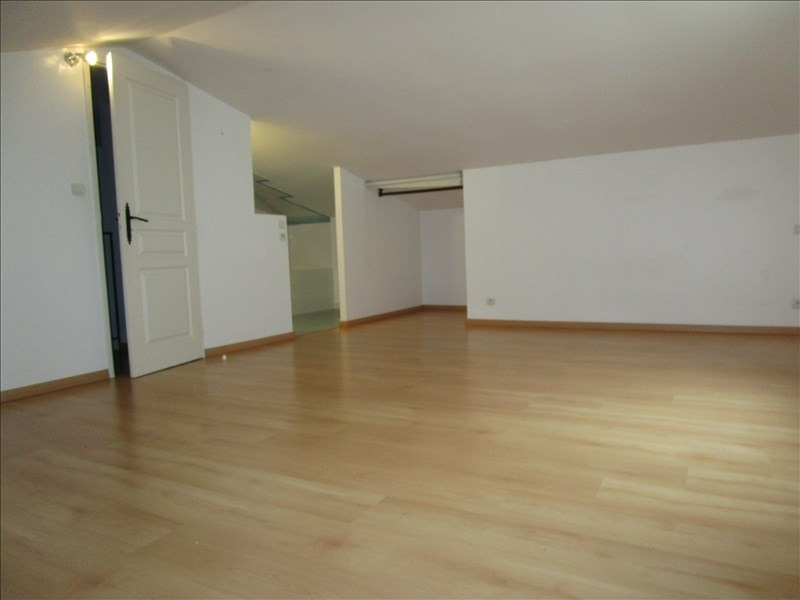 Location maison / villa Cavanac 850€ CC - Photo 4