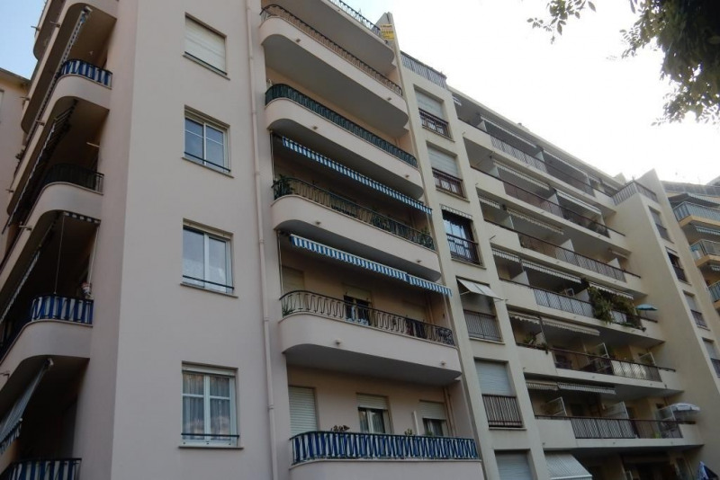 Sale apartment Nice 175000€ - Picture 2