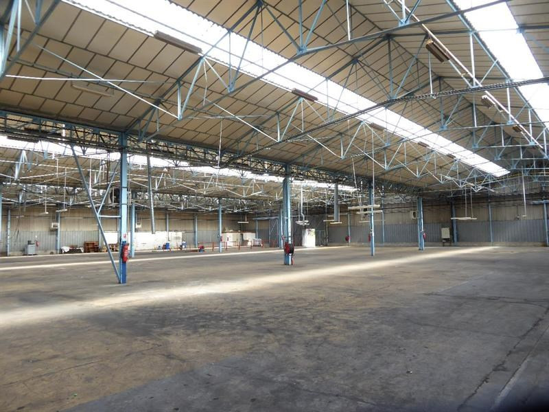 Location Local d'activités / Entrepôt Saint-Pierre-de-Varengeville 0