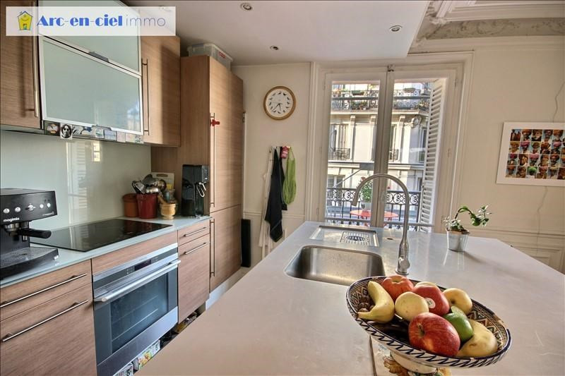 Revenda apartamento Paris 18ème 699000€ - Fotografia 5