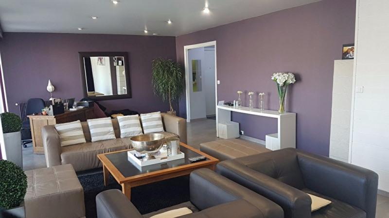 Sale apartment Cholet 174800€ - Picture 2