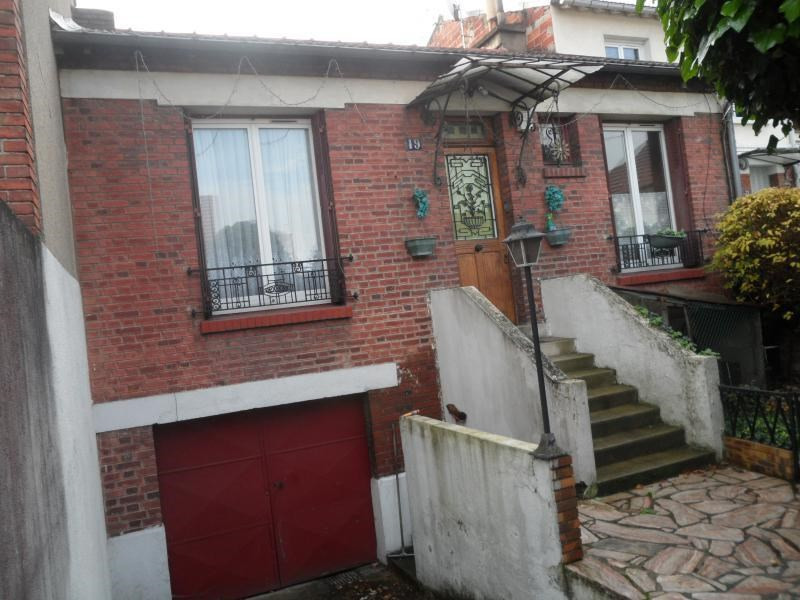 Sale house / villa Gennevilliers 375000€ - Picture 1