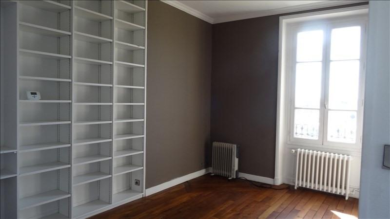 Rental apartment Versailles 1075€ CC - Picture 1