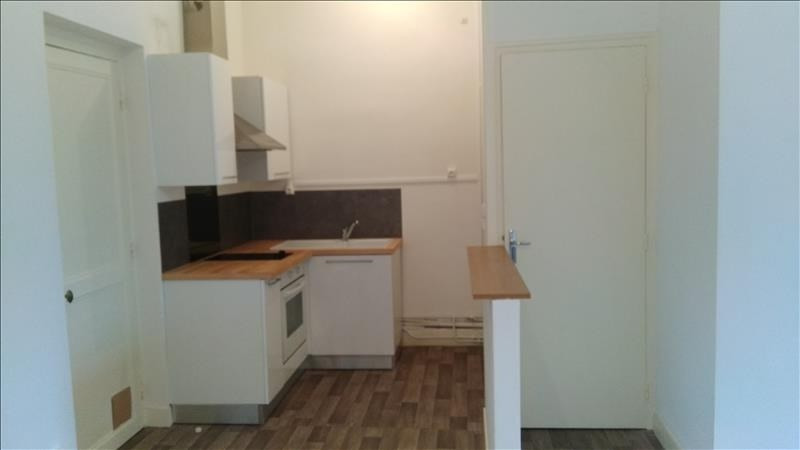 Location appartement Vendome 355€ CC - Photo 1
