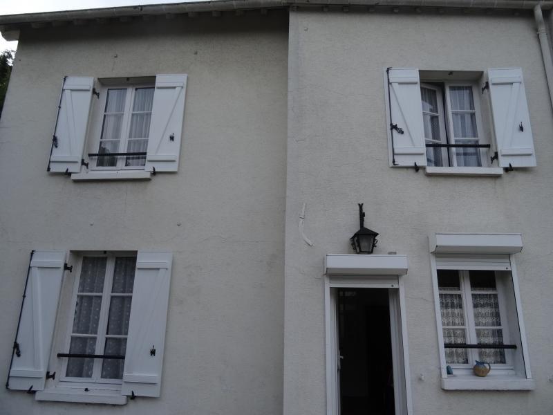 Sale house / villa Medan 299000€ - Picture 1