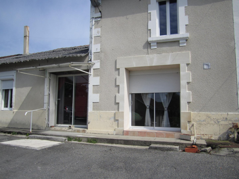 Sale house / villa Barbezieux saint hilaire 38 000€ - Picture 1