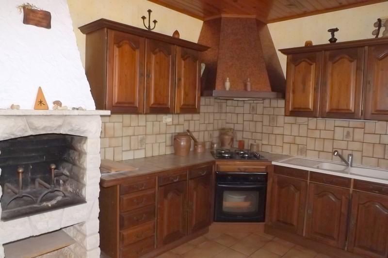 Sale house / villa Montpon menesterol 213000€ - Picture 2