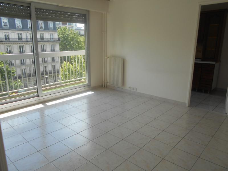Location appartement Paris 20ème 1151€ CC - Photo 5