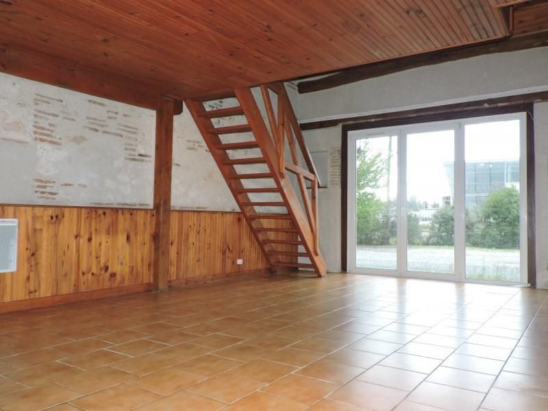 Location maison / villa Le passage 600€ +CH - Photo 2