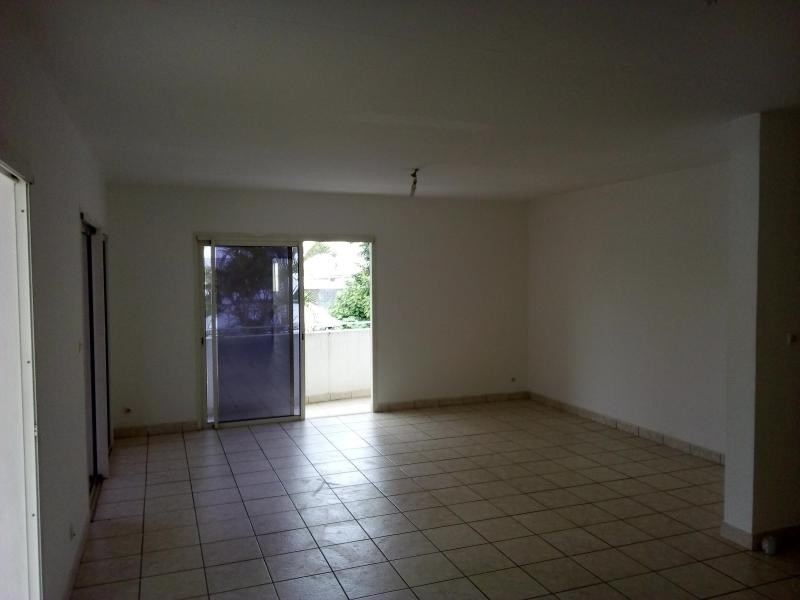 Location local commercial St pierre 3 000€ HT/HC - Photo 9