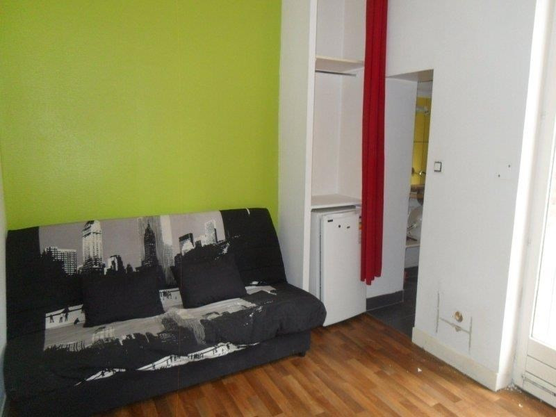 Rental apartment Troyes 285€ CC - Picture 2