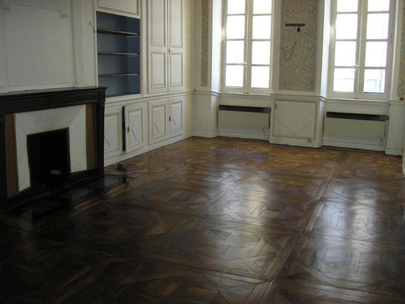 Location appartement Nantua 370€ CC - Photo 1