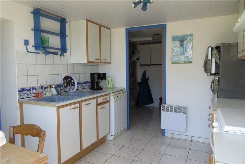 Sale house / villa Plouhinec 141210€ - Picture 5