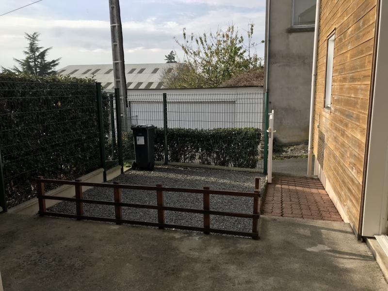 Vente maison / villa St pierre montlimart 85600€ - Photo 5