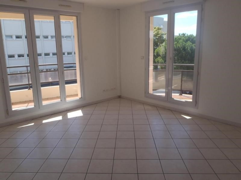 Rental apartment Montelimar 690€ CC - Picture 1