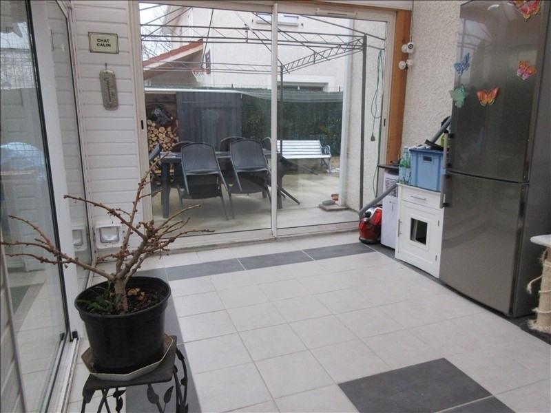 Revenda casa Voiron 275000€ - Fotografia 3