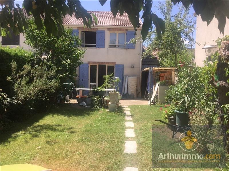 Sale house / villa Savigny le temple 208000€ - Picture 1