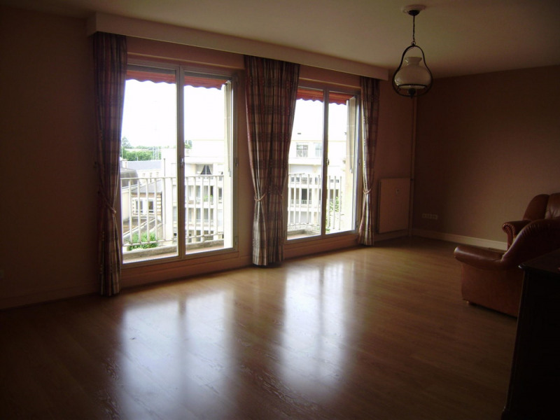 Rental apartment Châlons-en-champagne 765€ CC - Picture 2