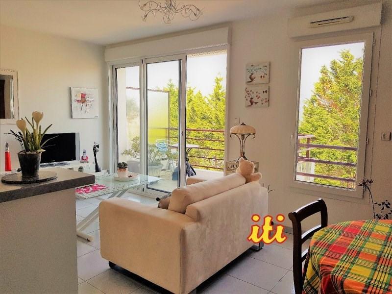 Sale apartment Chateau d olonne 149700€ - Picture 1
