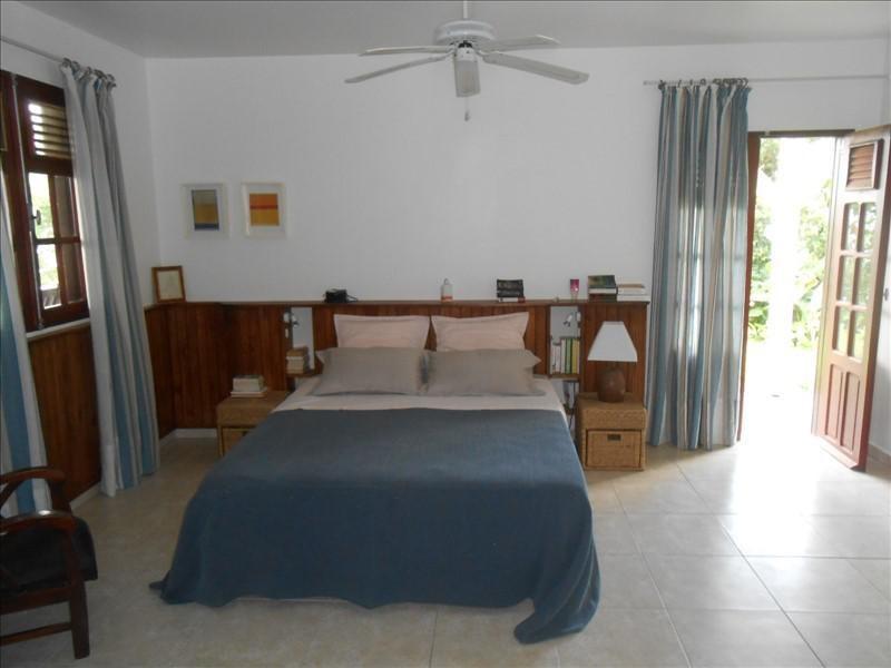 Sale house / villa St claude 365000€ - Picture 9