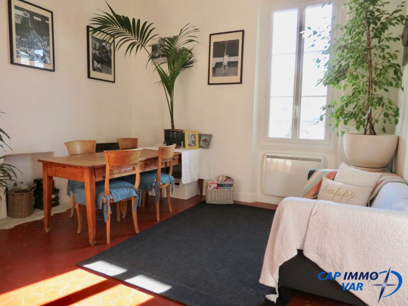 Sale apartment Le beausset 235 000€ - Picture 2