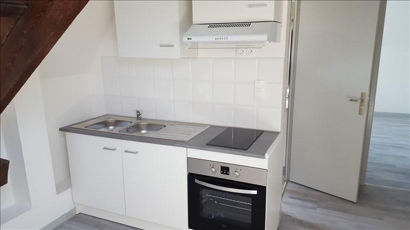 Rental apartment St quentin 420€ CC - Picture 2
