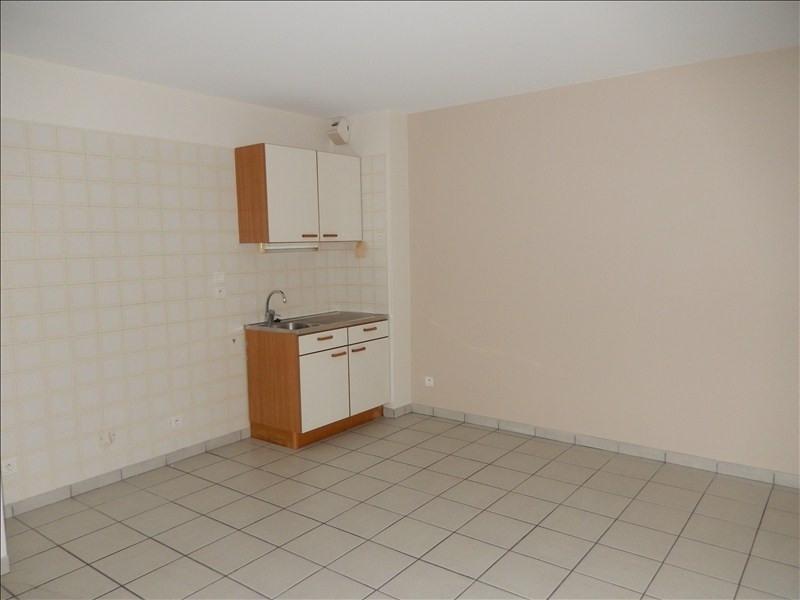 Rental apartment Le puy en velay 252,79€ CC - Picture 2