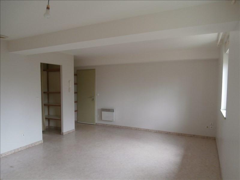 Rental apartment Castres 410€ CC - Picture 1