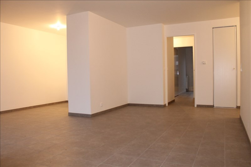 Rental apartment Osny 945€ CC - Picture 2