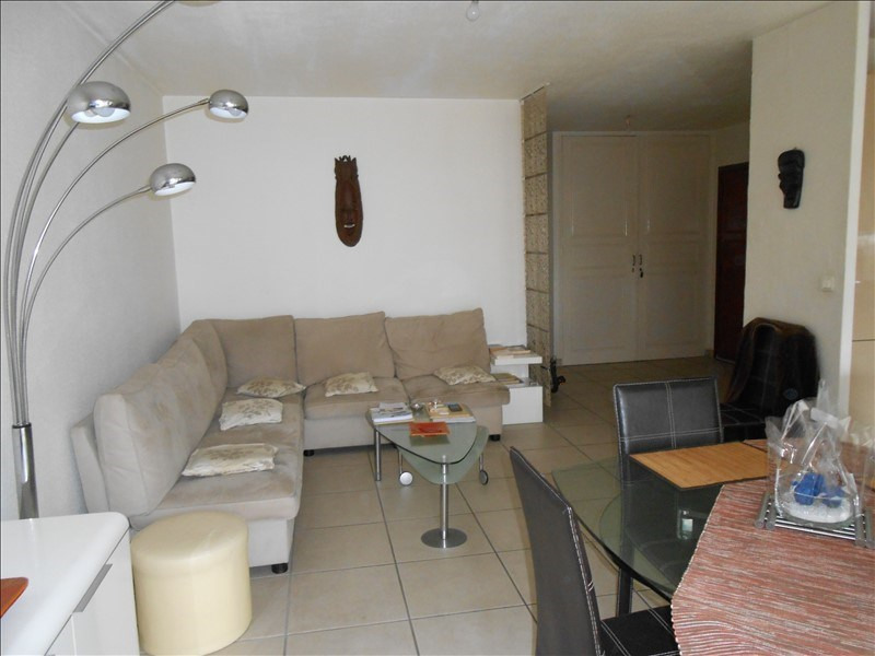 Sale apartment Le golfe juan 223 000€ - Picture 2