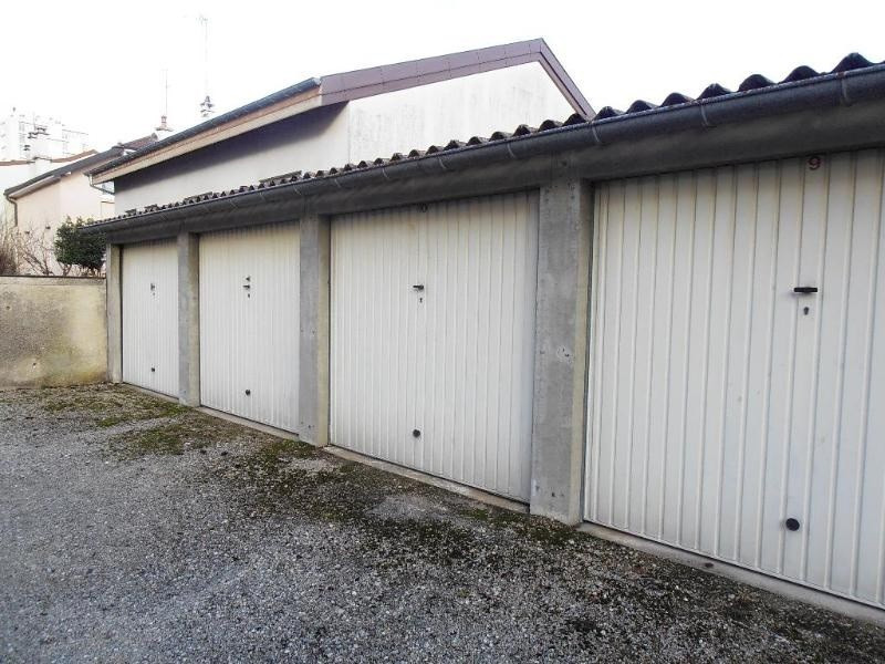 Location parking Oyonnax 54€ +CH - Photo 1