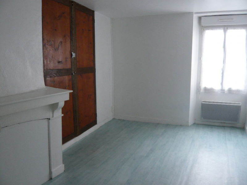 Rental apartment Laval 276€ CC - Picture 2