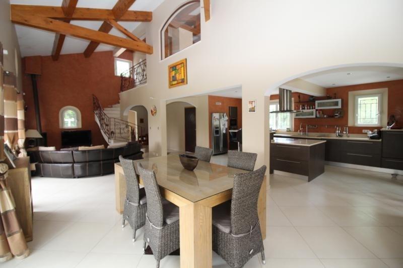 Deluxe sale house / villa Merindol 599000€ - Picture 2