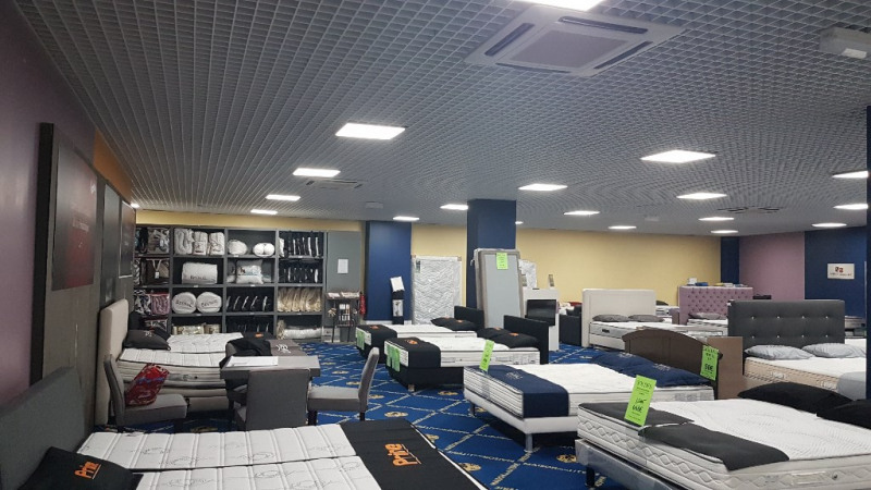Commercial lease transfer empty room/storage La garde 50000€ - Picture 3