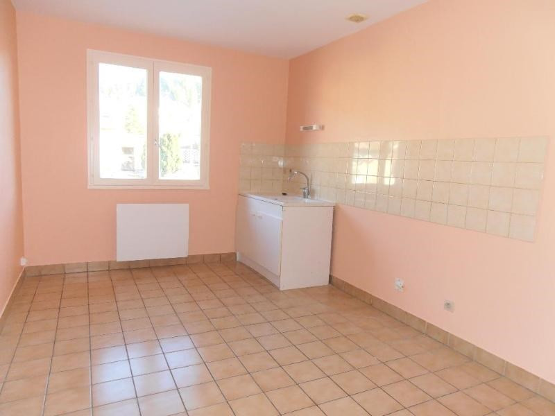 Location appartement St martin du fresne 586€ CC - Photo 1